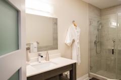 King Jacuzzi Suite - Bath