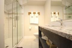 King Suite - Bath