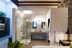 The Holt Suite - Vanity & Shower