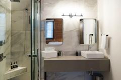The Holt Suite - Walkin shower